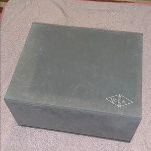 Van Cleef & Arpels box